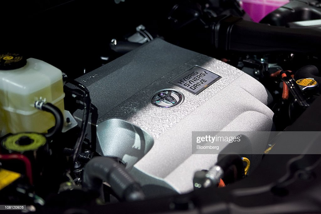 A Toyota Motor Corp. Hybrid Synergy Drive engine sits on display during the North American International Auto Show (NAIAS) in Detroit, Michigan, U.S., on Wednesday, Jan. 12, 2011. The 2011 Detroit auto show runs through Jan. 23 and features more than 30 new vehicle premieres. Photographer: Keyur Khamar/Bloomberg via Getty Images