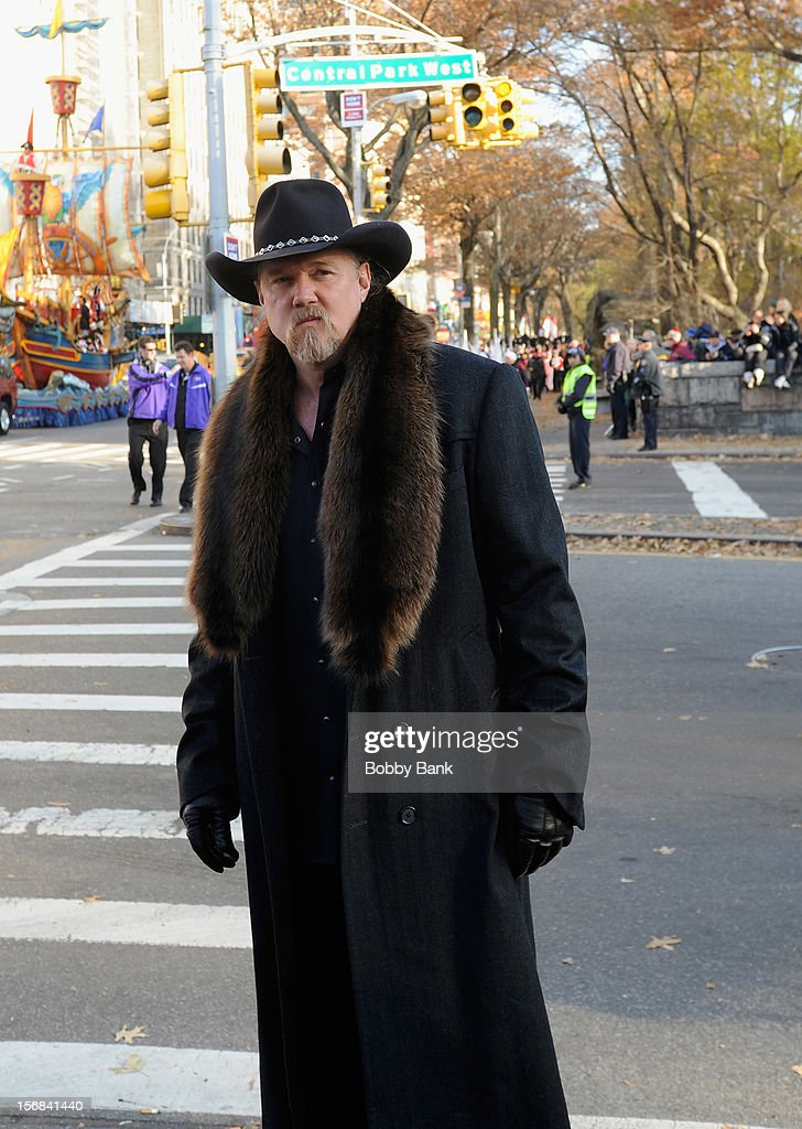 Trace Adkins attends the 86th Annual Macy's Thanksgiving Day Parade on November 22, 2012 in New York City.