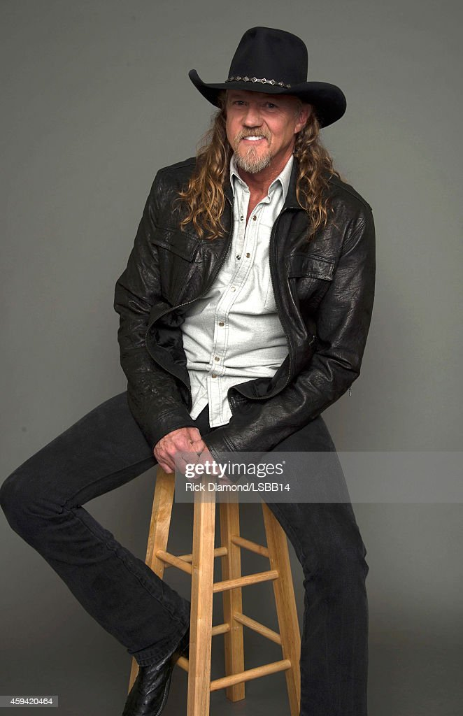 <a gi-track='captionPersonalityLinkClicked' href=/galleries/search?phrase=Trace+Adkins&family=editorial&specificpeople=224686 ng-click='$event.stopPropagation()'>Trace Adkins</a> poses backstage at One More For The Fans! - Celebrating the Songs & Music of Lynyrd Skynyrd at The Fox Theatre on November 12, 2014 in Atlanta, Georgia.