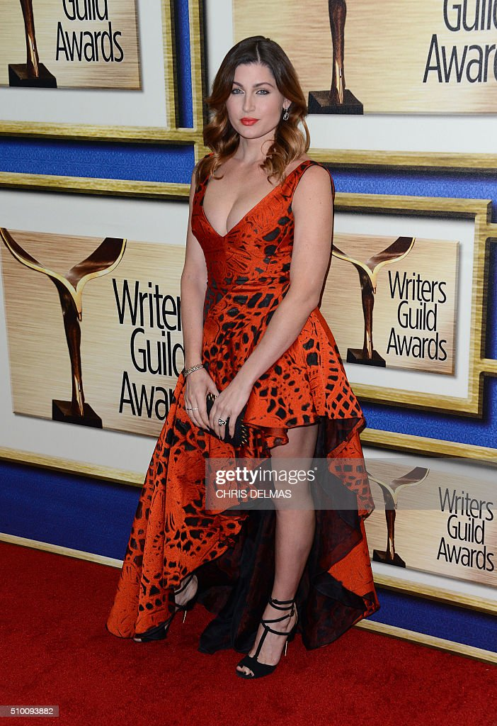 Trace Lysette arrives at the Writers Guild Awards, in Century City, California, February 13, 2016. / AFP / CHRIS DELMAS