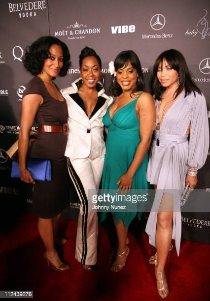 Tracee Ellis Ross Tichina Arnold Niecy Nash and Tisha CampbellMartin