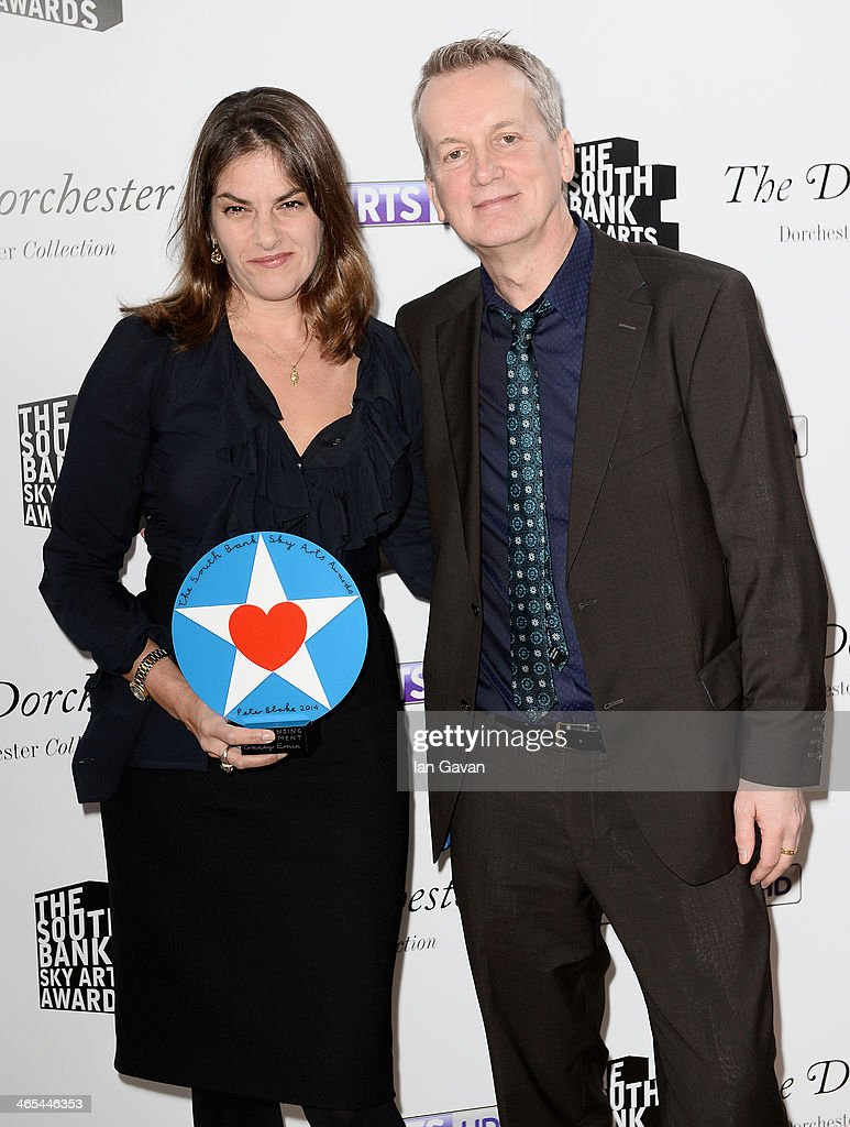 <a gi-track='captionPersonalityLinkClicked' href=/galleries/search?phrase=Tracey+Emin&family=editorial&specificpeople=203219 ng-click='$event.stopPropagation()'>Tracey Emin</a> with her Outstanding Achievement award and presenter <a gi-track='captionPersonalityLinkClicked' href=/galleries/search?phrase=Frank+Skinner&family=editorial&specificpeople=242787 ng-click='$event.stopPropagation()'>Frank Skinner</a> during the South Bank Sky Arts awards at the Dorchester Hotel on January 27, 2014 in London, England.