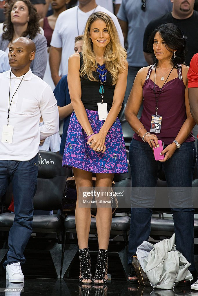 Traci Lynn Johnson (C) attends the 2014 Summer Classic Charity Basketball Game at Barclays Center on August 21, 2014 in New York City.