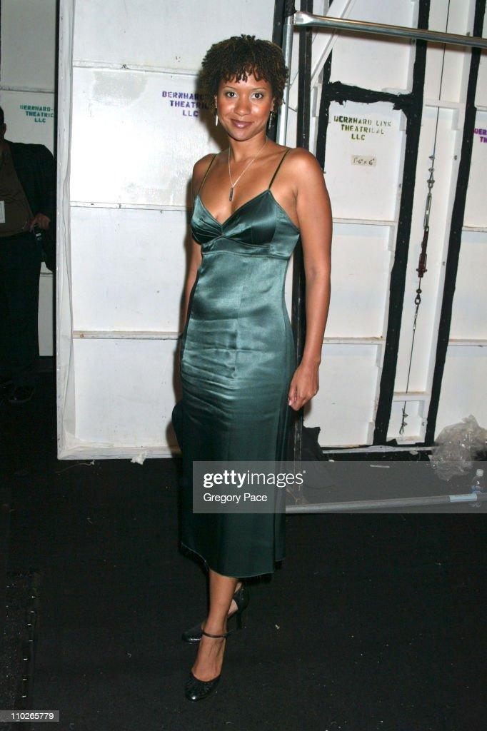 Olympus Fashion Week Spring 2006 - Vera Wang - Front Row and Backstage