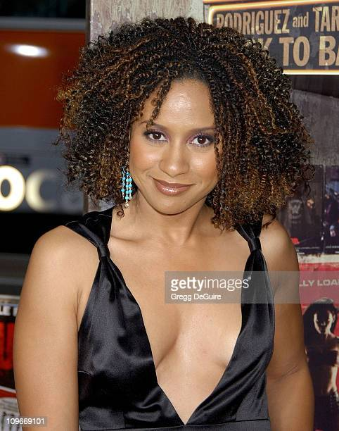 Tracie Thoms Nude Photos 18