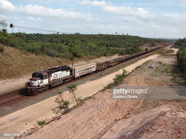 CONTENT] SD402#419 tracionando trem TLS passando pela locação 02 em São Luís MA Que saudade dos tempos de CVRD SD402#419 in charge of this welded...