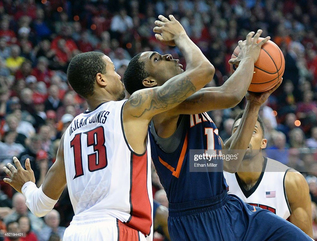 Tracy Abrams #13 of the Illinois Fighting Illini shoots against <a gi-track='captionPersonalityLinkClicked' href=/galleries/search?phrase=Bryce+Dejean-Jones&family=editorial&specificpeople=10097417 ng-click='$event.stopPropagation()'>Bryce Dejean-Jones</a> #13 of the UNLV Rebels during their game at the Thomas & Mack Center on November 26, 2013 in Las Vegas, Nevada. Illinois won 61-59.