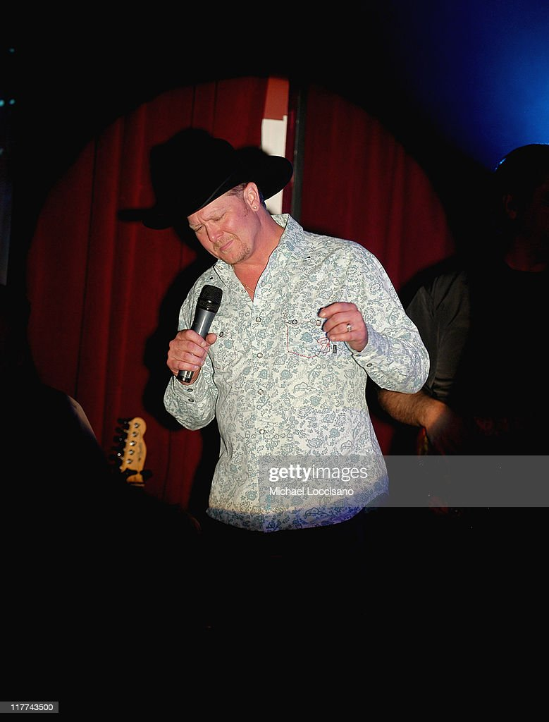 <a gi-track='captionPersonalityLinkClicked' href=/galleries/search?phrase=Tracy+Lawrence&family=editorial&specificpeople=217325 ng-click='$event.stopPropagation()'>Tracy Lawrence</a> during Country Takes New York City - Montgomery Gentry and <a gi-track='captionPersonalityLinkClicked' href=/galleries/search?phrase=Tracy+Lawrence&family=editorial&specificpeople=217325 ng-click='$event.stopPropagation()'>Tracy Lawrence</a> Performance at BB King's Blues Club and Grill in New York City, New York, United States.