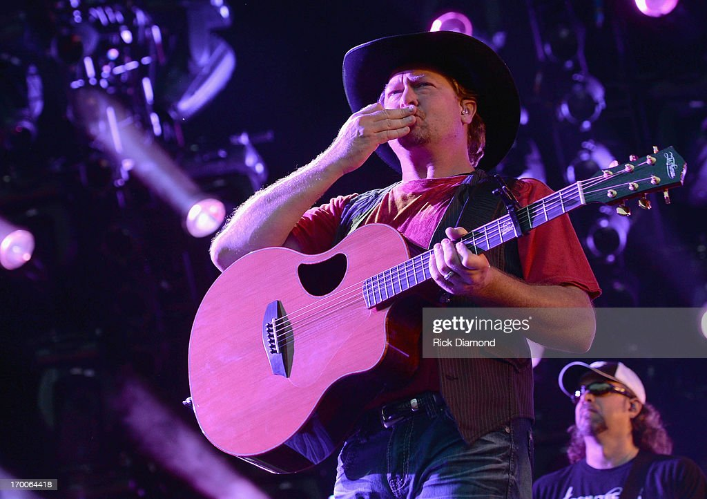<a gi-track='captionPersonalityLinkClicked' href=/galleries/search?phrase=Tracy+Lawrence&family=editorial&specificpeople=217325 ng-click='$event.stopPropagation()'>Tracy Lawrence</a> performs during the 2013 CMA Music Festival on June 6, 2013 in Nashville, Tennessee.