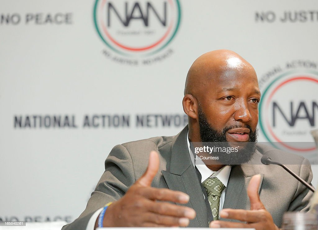 <a gi-track='captionPersonalityLinkClicked' href=/galleries/search?phrase=Tracy+Martin&family=editorial&specificpeople=9075765 ng-click='$event.stopPropagation()'>Tracy Martin</a>, father of slain youth Trayvon Martin speaks during the 'Crisis Panal: How Do We Deal And Organize Around Community Crisis' Panal during the 2013 NAN National Convention Day 2 at New York Sheraton Hotel & Tower on April 4, 2013 in New York City.