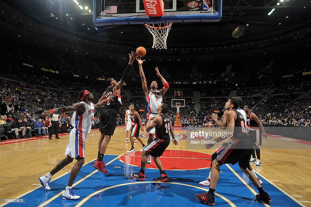 <a gi-track='captionPersonalityLinkClicked' href=/galleries/search?phrase=Tracy+McGrady&family=editorial&specificpeople=201486 ng-click='$event.stopPropagation()'>Tracy McGrady</a> #1 of the Detroit Pistons shoots against the Portland Trail Blazers on February 13, 2011 at The Palace of Auburn Hills in Auburn Hills, Michigan.