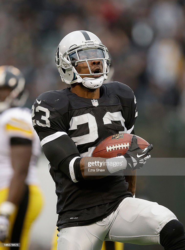 <a gi-track='captionPersonalityLinkClicked' href=/galleries/search?phrase=Tracy+Porter&family=editorial&specificpeople=2218516 ng-click='$event.stopPropagation()'>Tracy Porter</a> #23 of the Oakland Raiders in action against the Pittsburgh Steelers at O.co Coliseum on October 27, 2013 in Oakland, California.