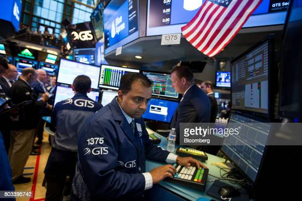 A trader works on the floor of the New York Stock Exchange in New York US on Thursday June 29 2017 Mealkit delivery companyBlue Apron Holdings Inc...