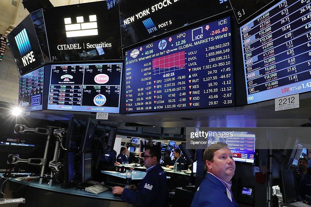 Traders work on the floor of the New York Stock Exchange (NYSE) following news that the United Kingdom has voted to leave the European Union on June 24, 2016 in New York City. The Dow Jones industrial average closed down over 600 points on the news with markets around the globe pluninging.