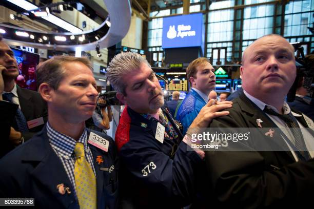 Traders work on the floor of the New York Stock Exchange in New York US on Thursday June 29 2017 Mealkit delivery companyBlue Apron Holdings Inc...