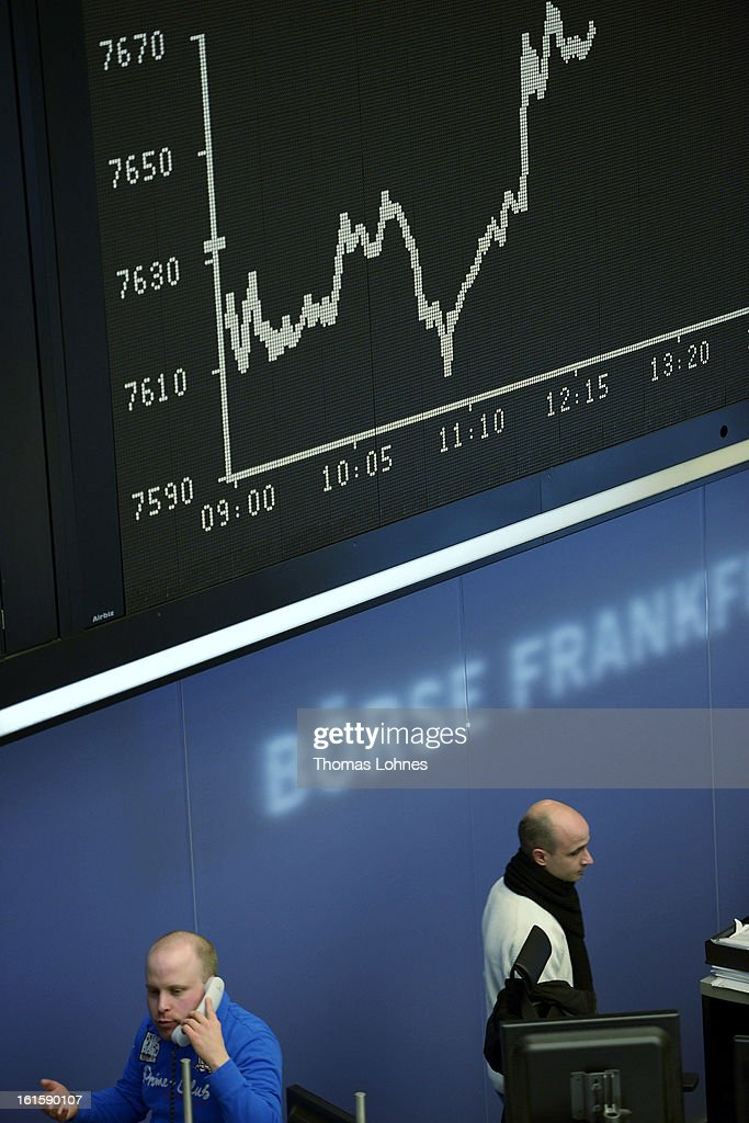 Traders work on the trading floor of the Frankfurt Stock Exchange on February 12, 2013 in Frankfurt am Main, Germany. European stock markets rose and the euro moved up against the dollar before the meeting of the eurozone finance ministers in Brussels.