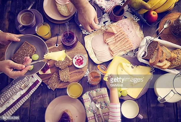 Petit déjeuner traditionnel de Belgique