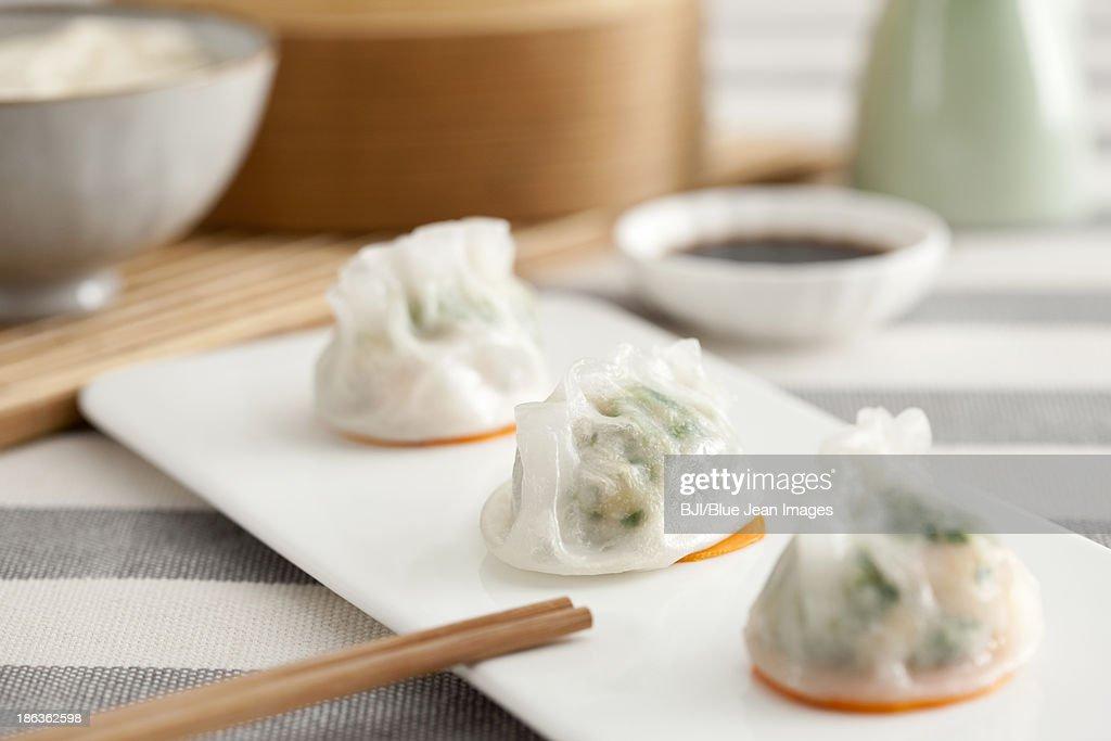 Traditional Chinese breakfast shrimp dumplings : Stock Photo