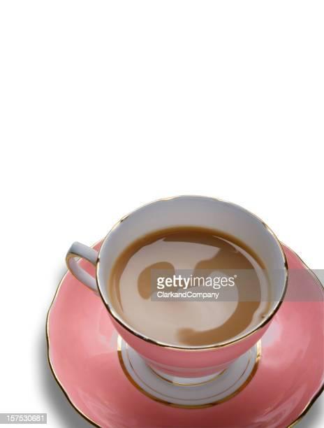 イギリス伝統の紅茶を白で分離