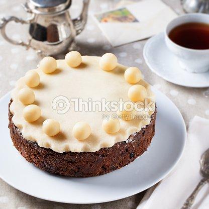Traditionelle Englische Ostern Kuchen Mit Marzipan Dekoration Auf