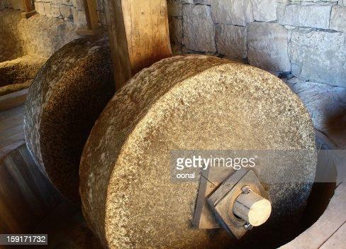 Traditional grinder