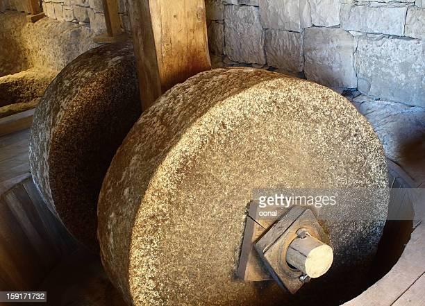 伝統的なミル