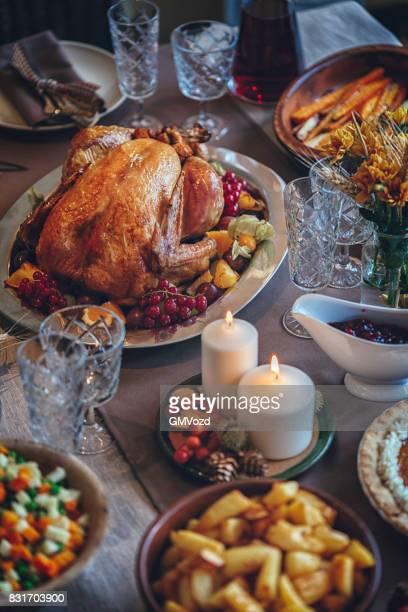 Dinde farcie dîner traditionnel pour les fêtes de fin d'année