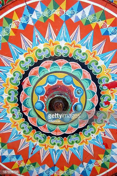 Tradizionale dipinto Ruota di carro trainato da buoi
