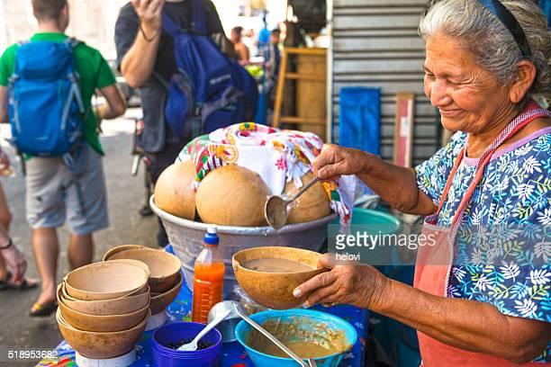 Plato de sopa de calabaza tradicional