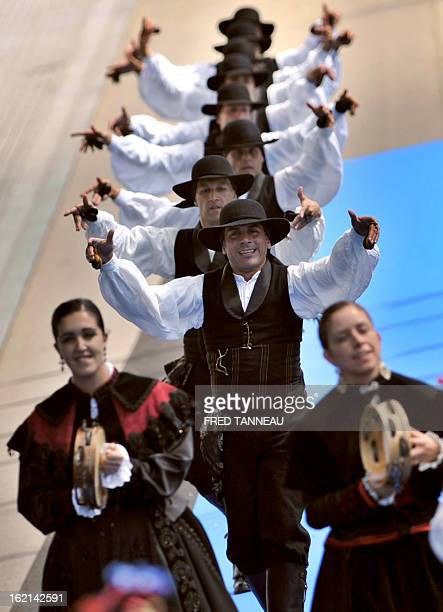 Traditional Spanish dancers perform on August 7 2011 in Lorient during the celtics nations Great Parade of the 'festival interceltique de Lorient' It...
