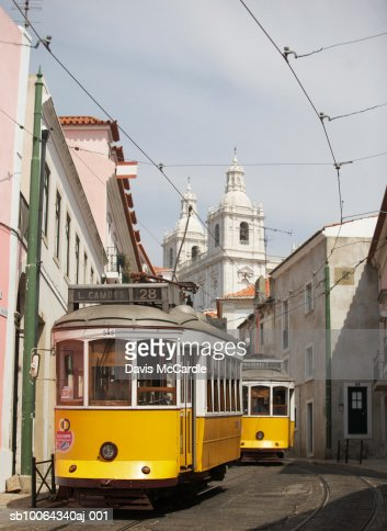 Traditional tram in Lisbon's Alfama district : Stock-Foto