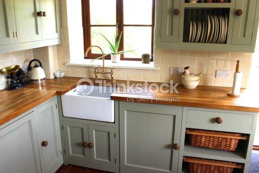 traditionellecountryk che gasherd h lzernenarbeitsplatten keramik belfastbutler sp lbecken. Black Bedroom Furniture Sets. Home Design Ideas