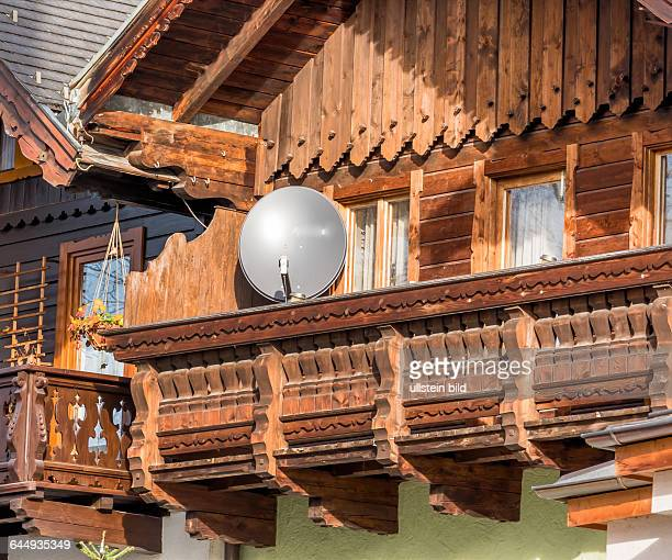 Rundfunk stock photos and pictures getty images for Traditionelles haus