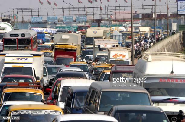 Traffic at Western Express Highway towards Mahim Causeway onTuesday morning
