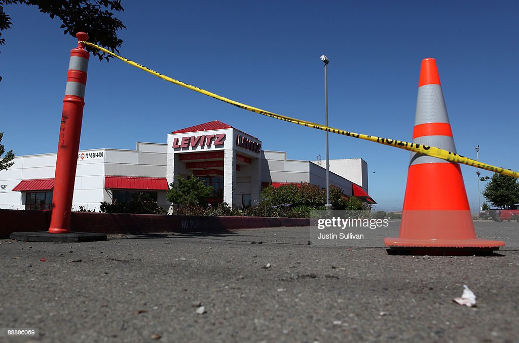 Traffic Cones Block The Entrance To A Closed Levitz Furniture Store July 7,  2009 In