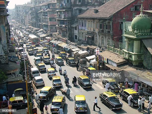 Traffic in the city of Mumbai, India
