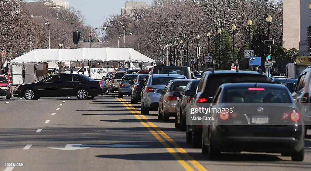 Traffic is backed up in front of a checkpoint during preparations for U.S. President Barack Obama's second inauguration on January 20, 2013 in Washington, DC. The U.S. capital is preparing for the second inauguration of U.S. President Barack Obama, which will take place on January 21.