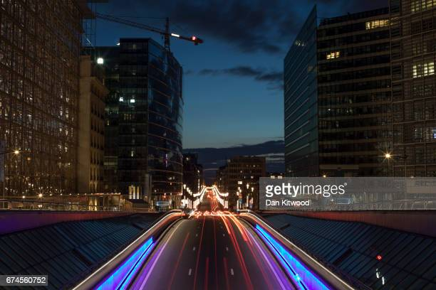 Traffic makes its way through central Brussels past the European Union Commission headquarters on April 28 2017 in Brussels Belgium The 27 members of...