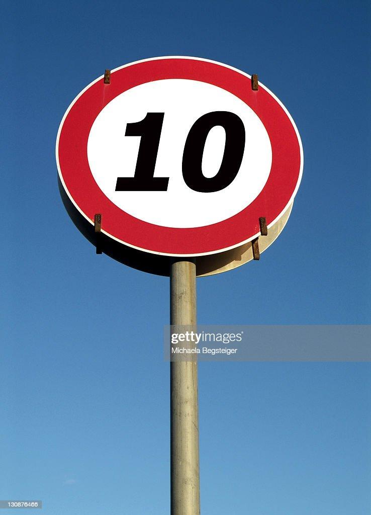 Traffic sign, speed restriction 10km|h