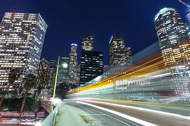 信号で都会的、夕暮れのロス角度