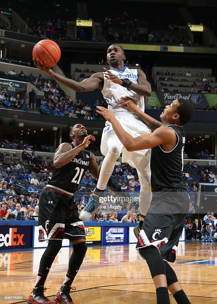 Trahson Burrell #0 of the Memphis Tigers drives to the basket for a layup against the Cincinnati Bearcats on February 6, 2016 at FedExForum in Memphis. Memphis defeated Cincinnati 63-59.