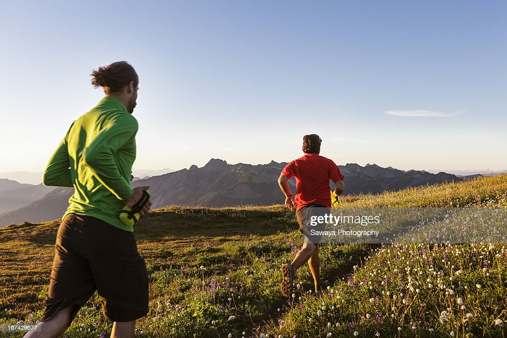 Trail running in the North Cascades : Foto de stock