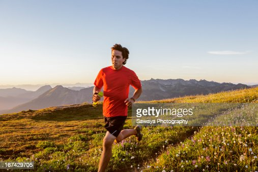 Trail running in the North Cascades : Stock Photo