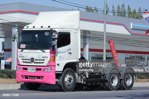 Trailer truck  of Thanachai Company. : Bildbanksbilder