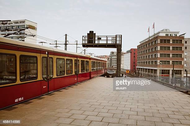 Bahnhof am Alexanderplatz in Berlin