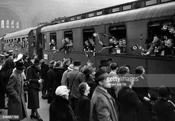 Train taking children from Berlin to a camp in Bunzlau/ Silesia organized by the Nationalsozialistische Volkswohlfahrt Photographer...