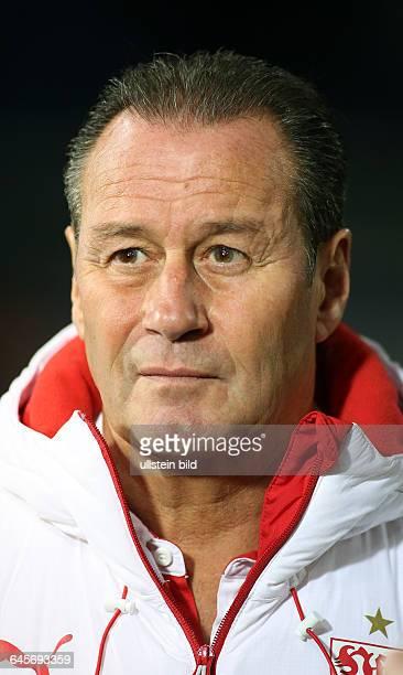 Trainer Huub Stevens Einzelbild Aktion Aktion Portrait Portraet Porträt VfB Stuttgart Bundesliga DFL Sport Fußball Fussball ImtechArena Hamburg...