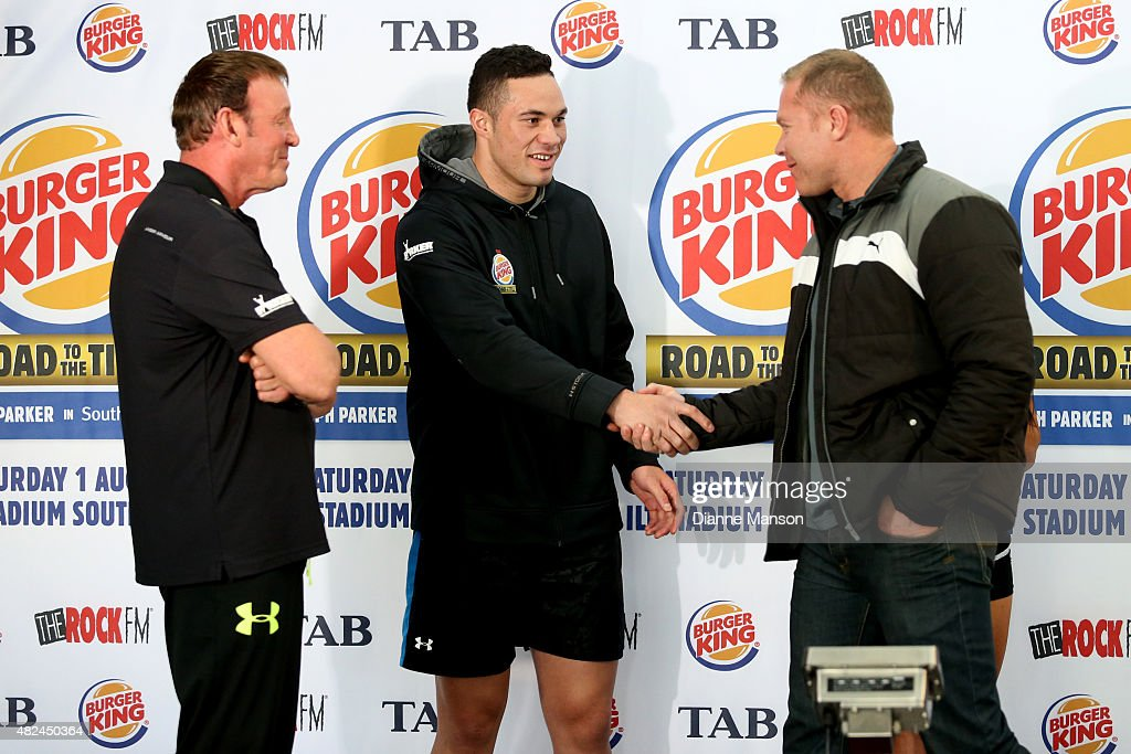 Trainer Kevin Barry New Zealand Heavyweight boxer Joseph Parker and Shane Cameron during the weigh in for Saturday's bout on July 31 2015 in...