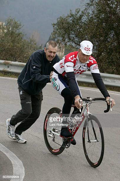 Trainingcamp Team CSC Lucca Italy Team CSC training Bjarne Riis manager Team CSC pushed by Ole Kaare Foeli