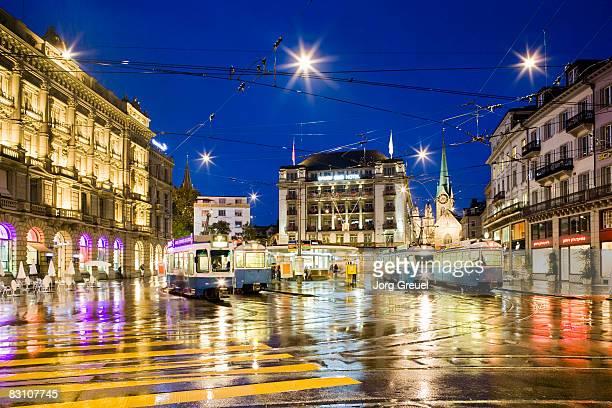 Trams at Paradeplatz (dusk)